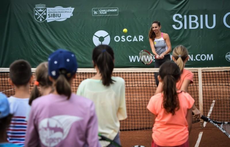 Buzărnescu și Bolelli au jucat tenis cu copiii la Sibiu Open Kids Day